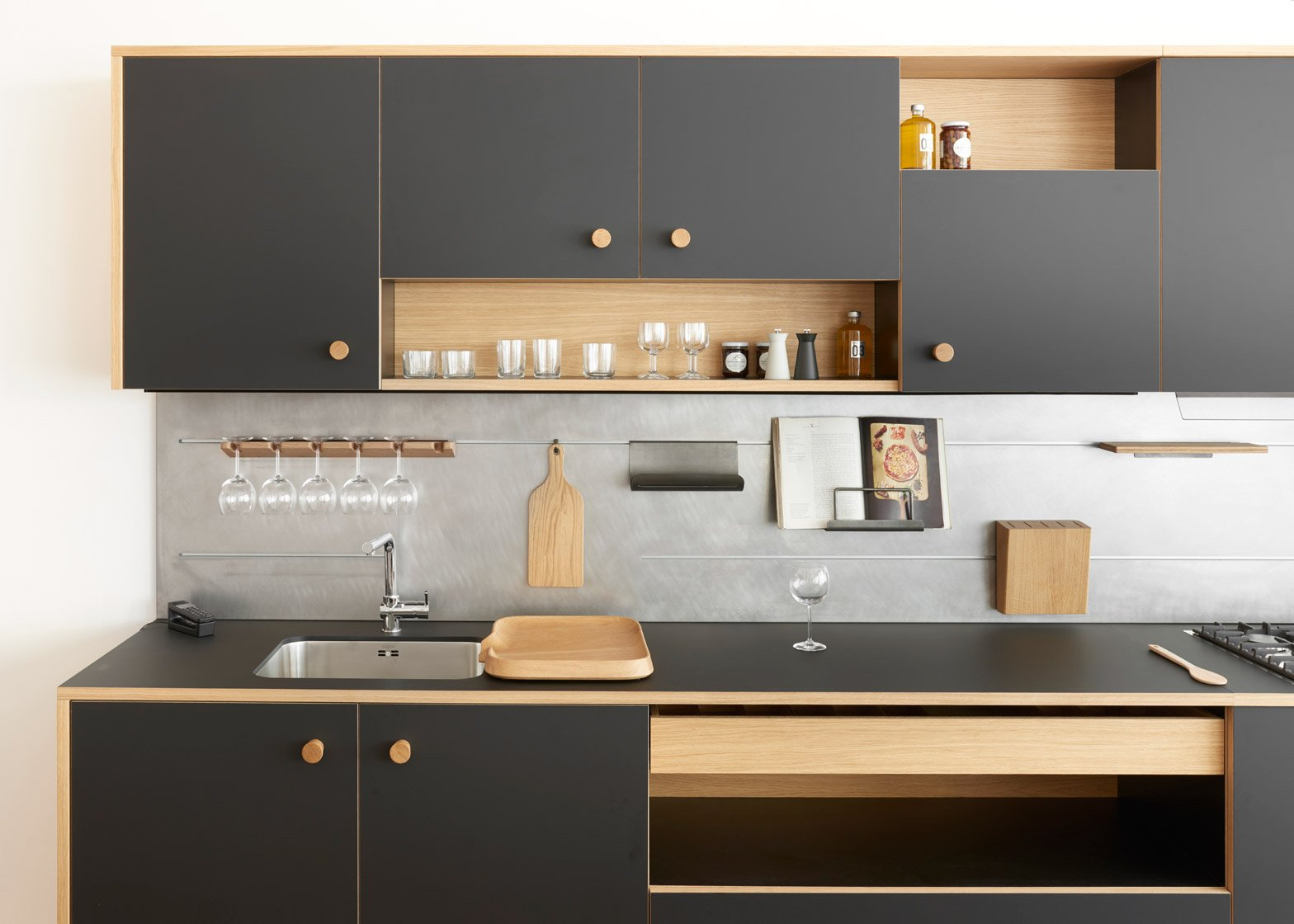 Jasper Morrison reveals first kitchen design for Schiffini