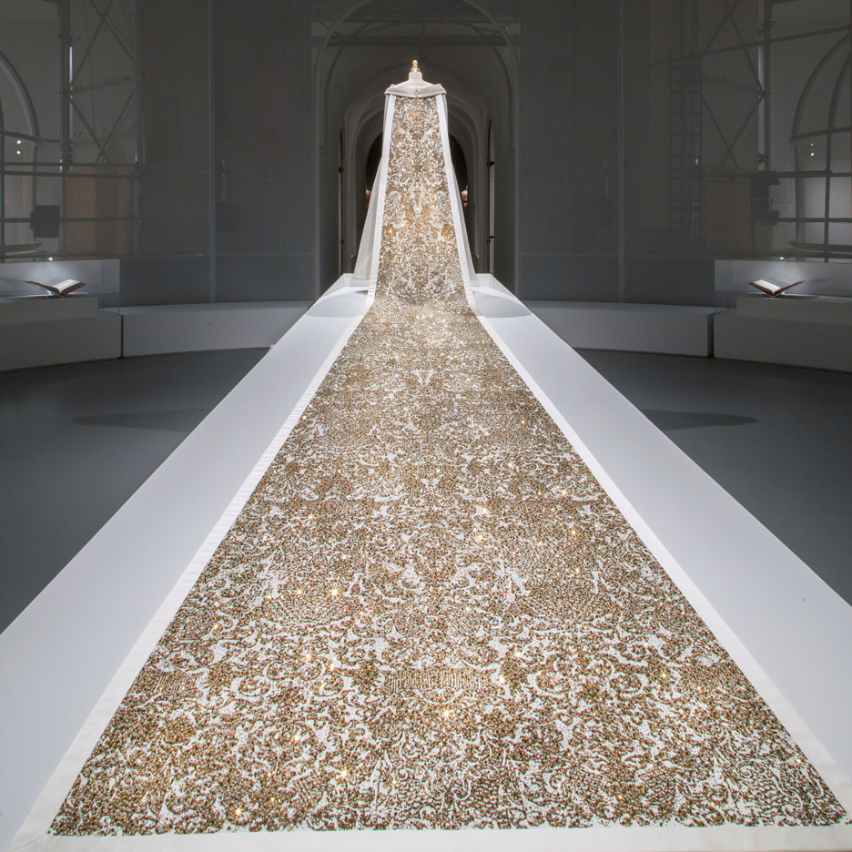 Manus x Machina fashion exhibition at New York's Metropolitan Museum of Art