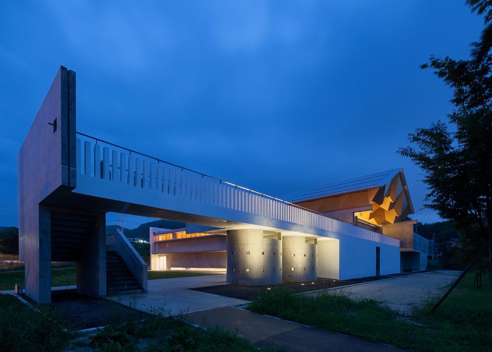 Miyahata Ruins Museum by Furuichi Architecture