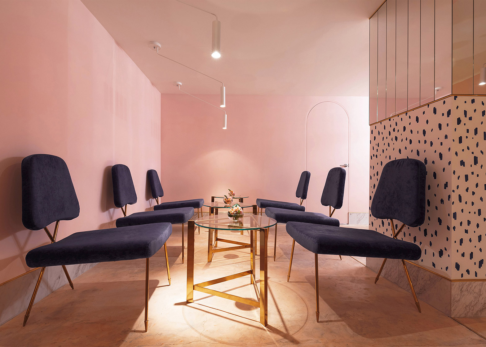 AKZ Architectura designs pink interior for Kiev champagne bar