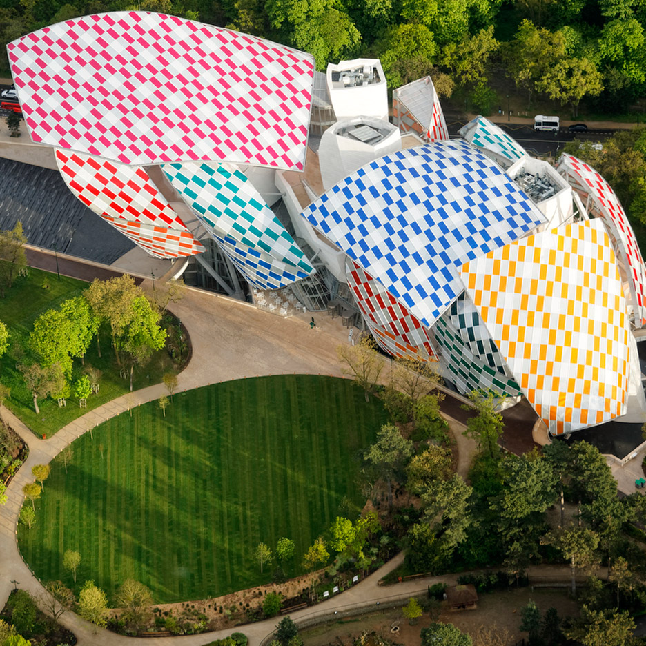 Daniel Buren colours the sails of Frank Gehry's Fondation Louis Vuitton