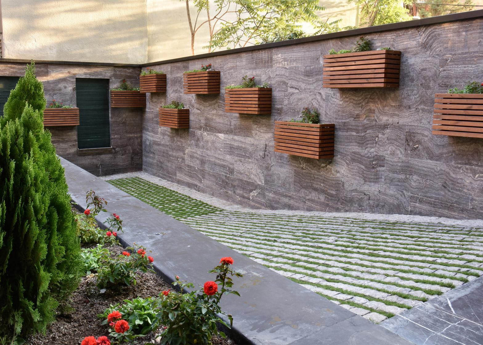 Orsi House by Keivani Architects