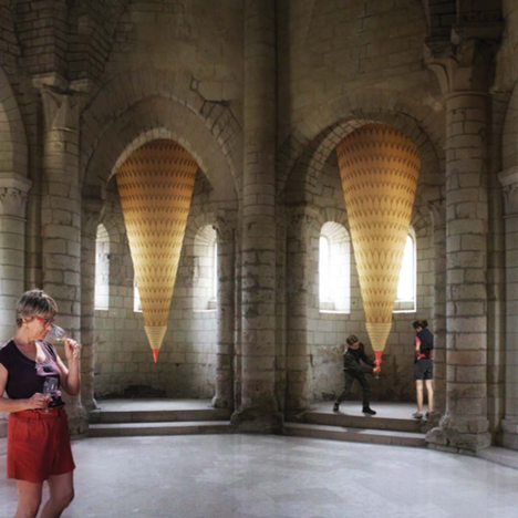 "Giant shingle-clad ""udders"" will dispense white, rose or red wine in French vineyard installation"