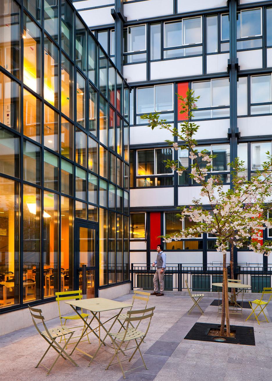 Atelier 2+1 adds glazed extension to Paris psychiatric hospital