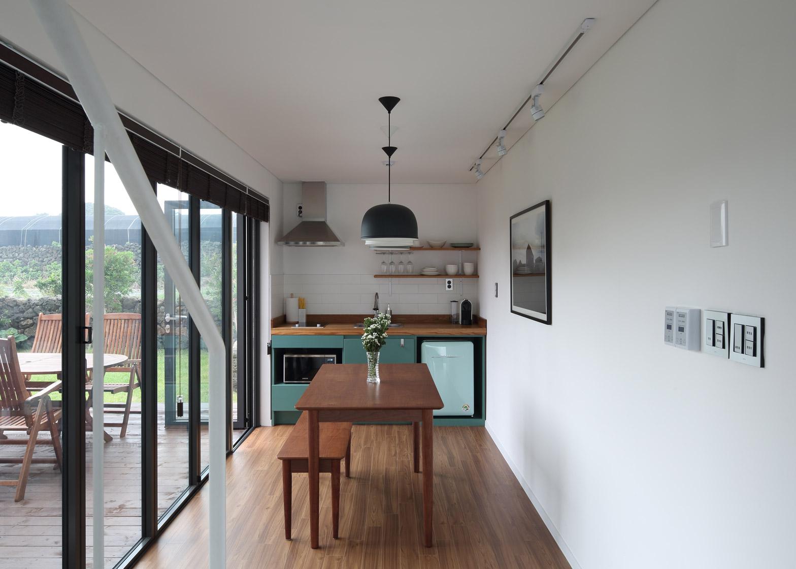 Holiday home on Jeju island in South Korea by Z Lab Studio