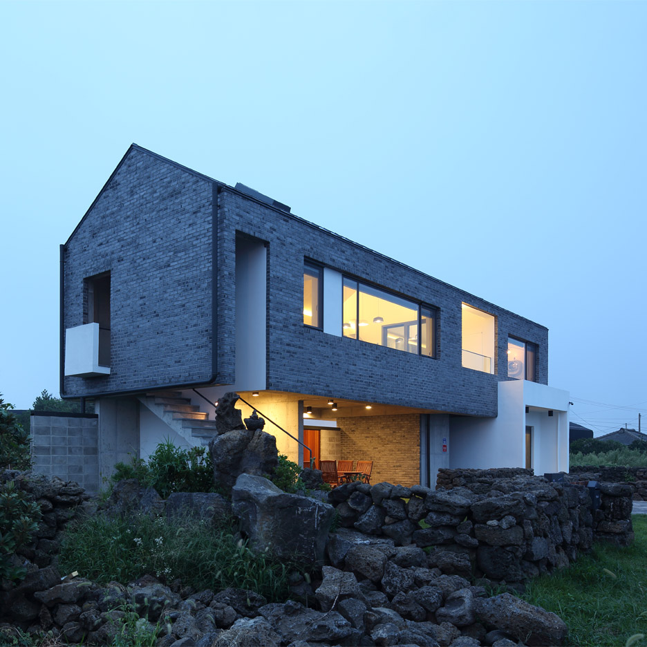 Holiday home on Jeju island in South Korea by Z Lab Studio
