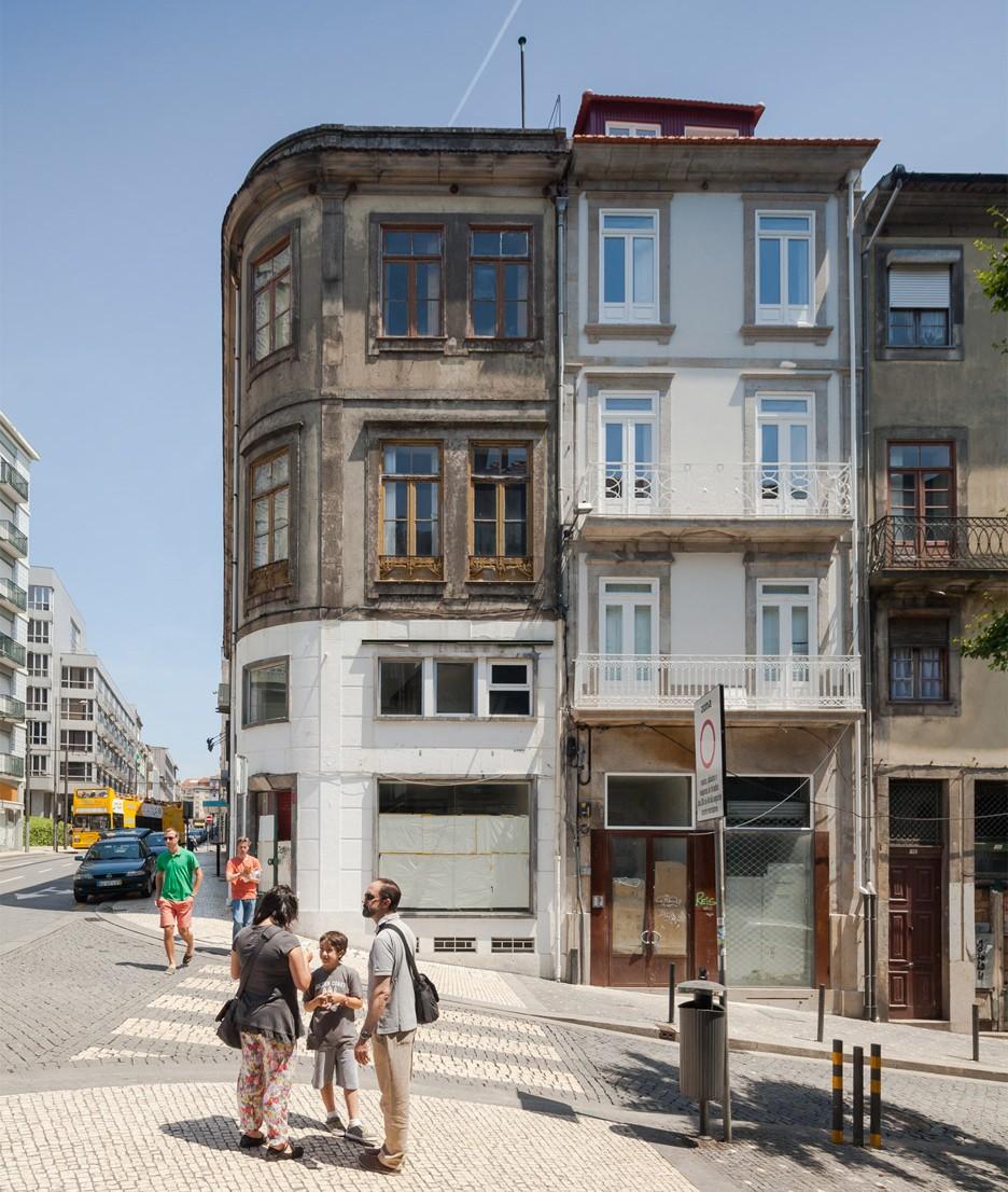 Santa Teresa townhouse renovation in Porto, Portugal by Joao Morgado