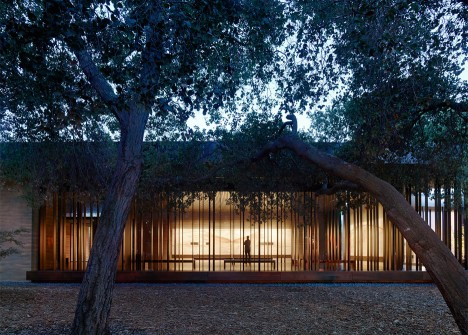 Aidlin Darling creates a meditation centre at Stanford University with rammed-earth walls