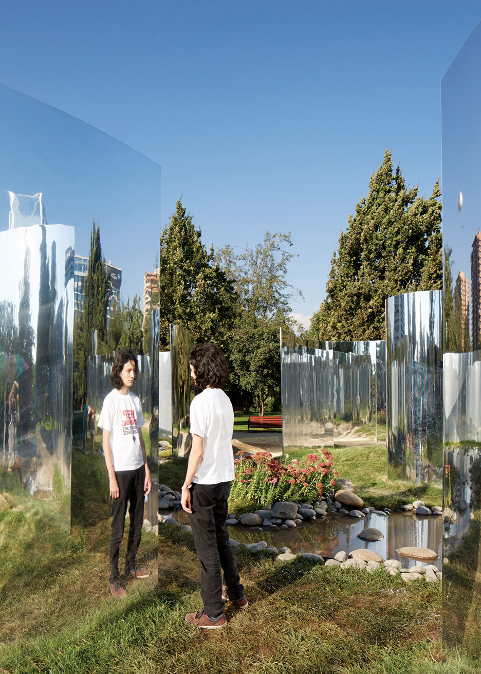 yap-constructo-6-your-reflection-guillermo-hevia-garcia-nicolas-urzua-pavilion-architecture-installation-mirrors-santiago-chile_dezeen_936_15