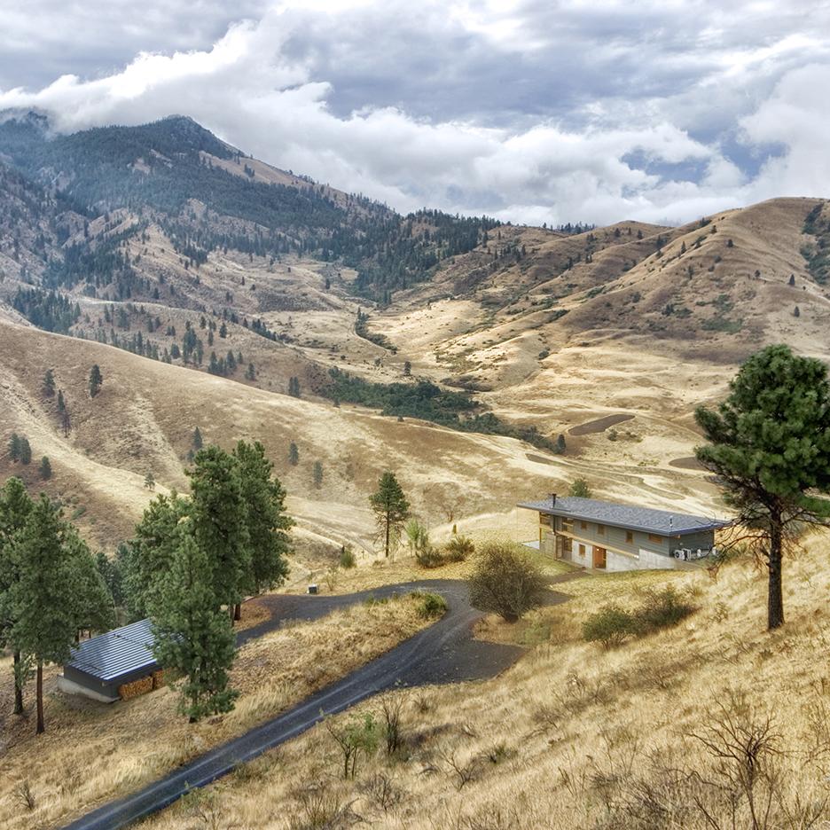 Nahahum cabin by Balance Associates