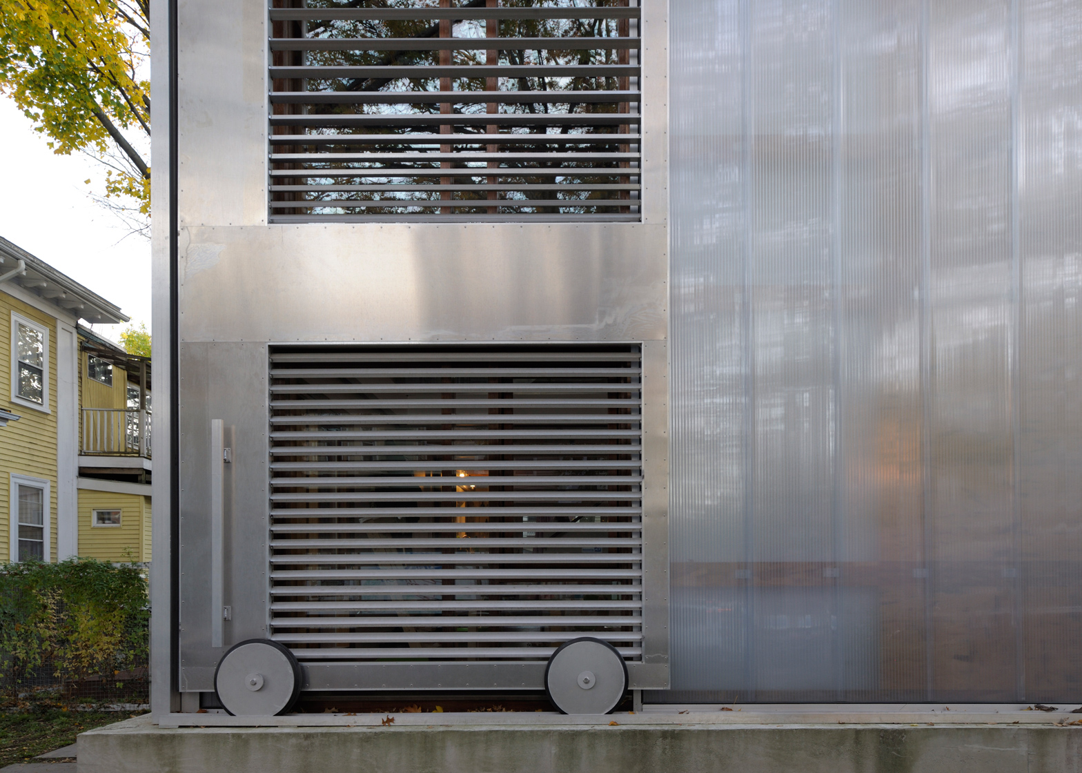 Polycarbonate House by Alessandro Armando and Manfredo di Robilant