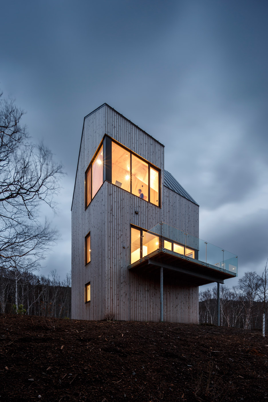 Rabbit Snare Gorge cabin by Design Base 8 and Omar Gandhi
