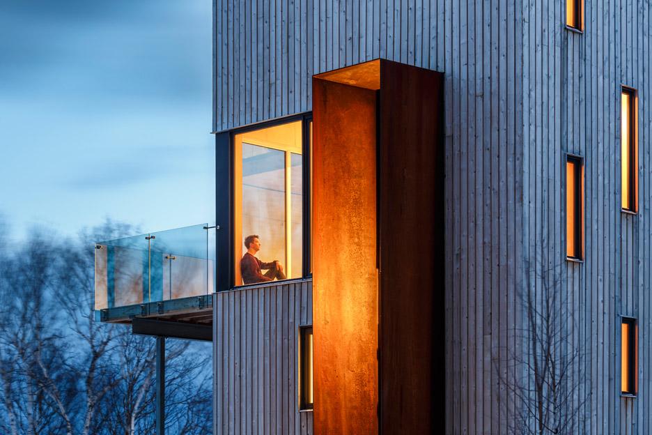 Rabbit Snare Gorge cabin by Design Base 8 and Omar Gandhi