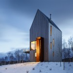 Rabbit Snare Gorge cabin sits on a bluff in remote Nova Scotia