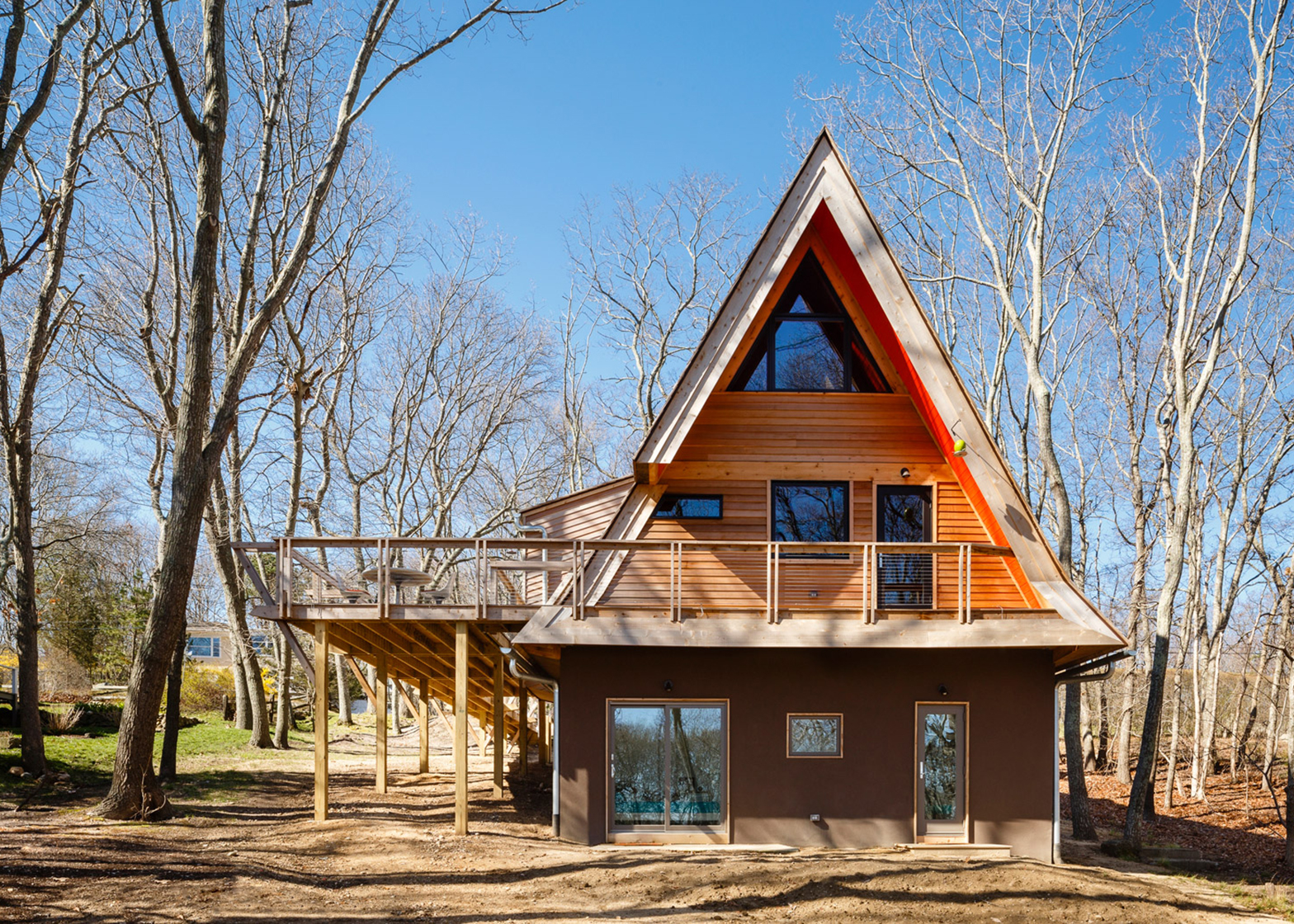 Triangle House by Doon Architecture