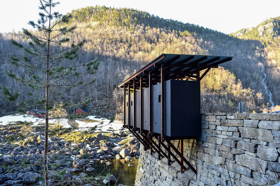 Allmannajuvet tourist route pavilion in Norway by Peter Zumthor. Photograph by Lars Grimsby