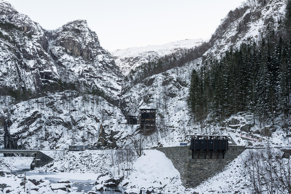 Allmannajuvet tourist route pavilion in Norway by Peter Zumthor. Photograph by Per Berntsen