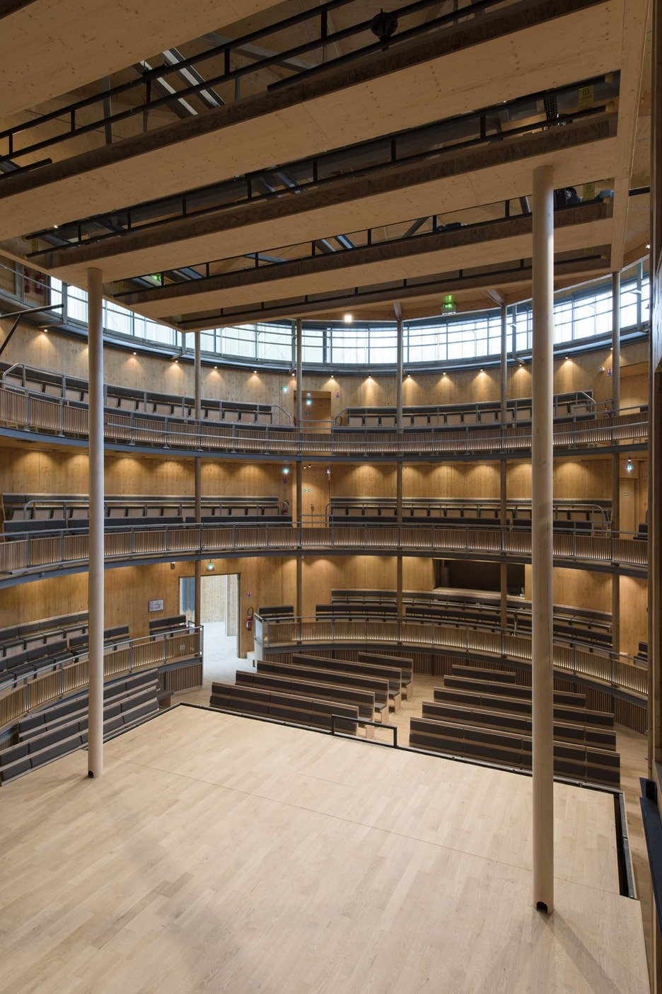 andrew-todd-theatre-pas-de-calais-globe-elizabethan-france-cross-laminated-timber_dezeen_936_15