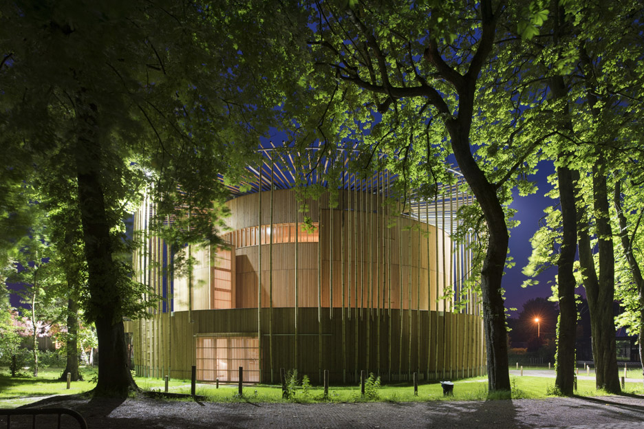 andrew-todd-theatre-pas-de-calais-globe-elizabethan-france-cross-laminated-timber_dezeen_936_20