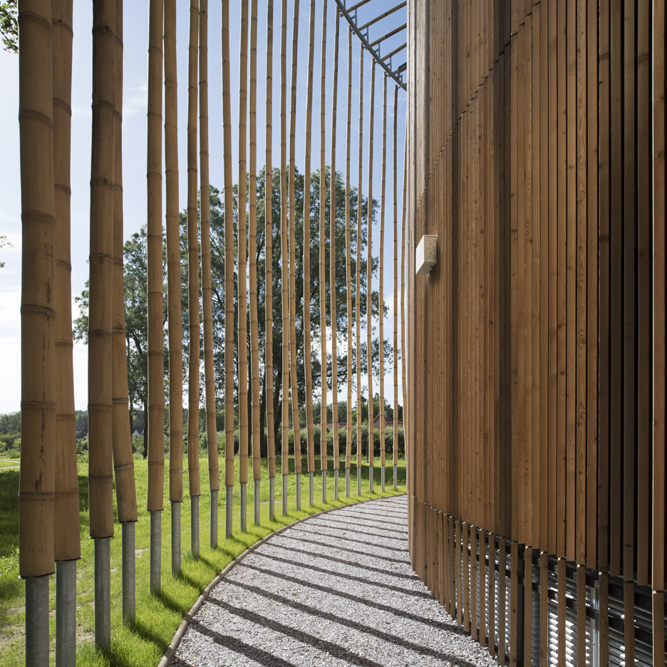 andrew-todd-theatre-pas-de-calais-globe-elizabethan-france-cross-laminated-timber_dezeen_936_6