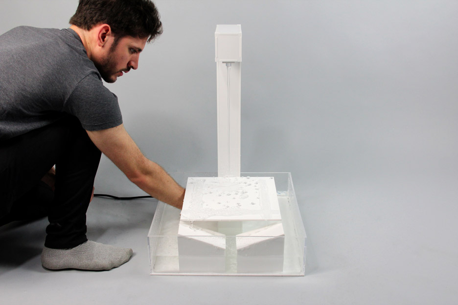 Superhydrophobic Fountain by Arthur Carbott