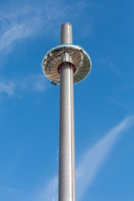 """""""Slight technical hitch"""" traps 180 passengers inside world's tallest moving observation tower"""