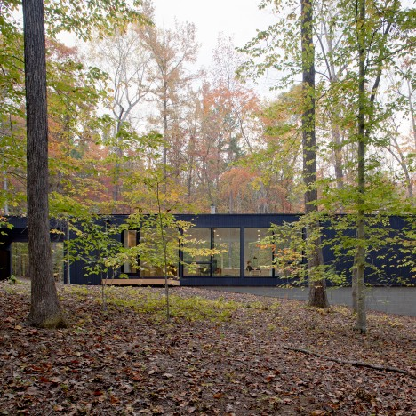 In Situ Studio hides black Corbett Residence in a North Carolina forest