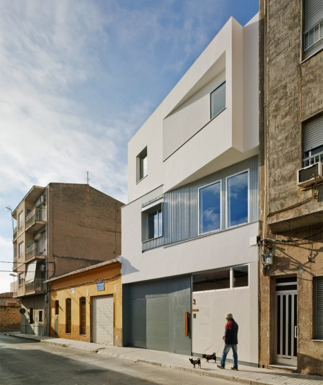 La Errería designs a facade that angles in and out for House F&M in Spain