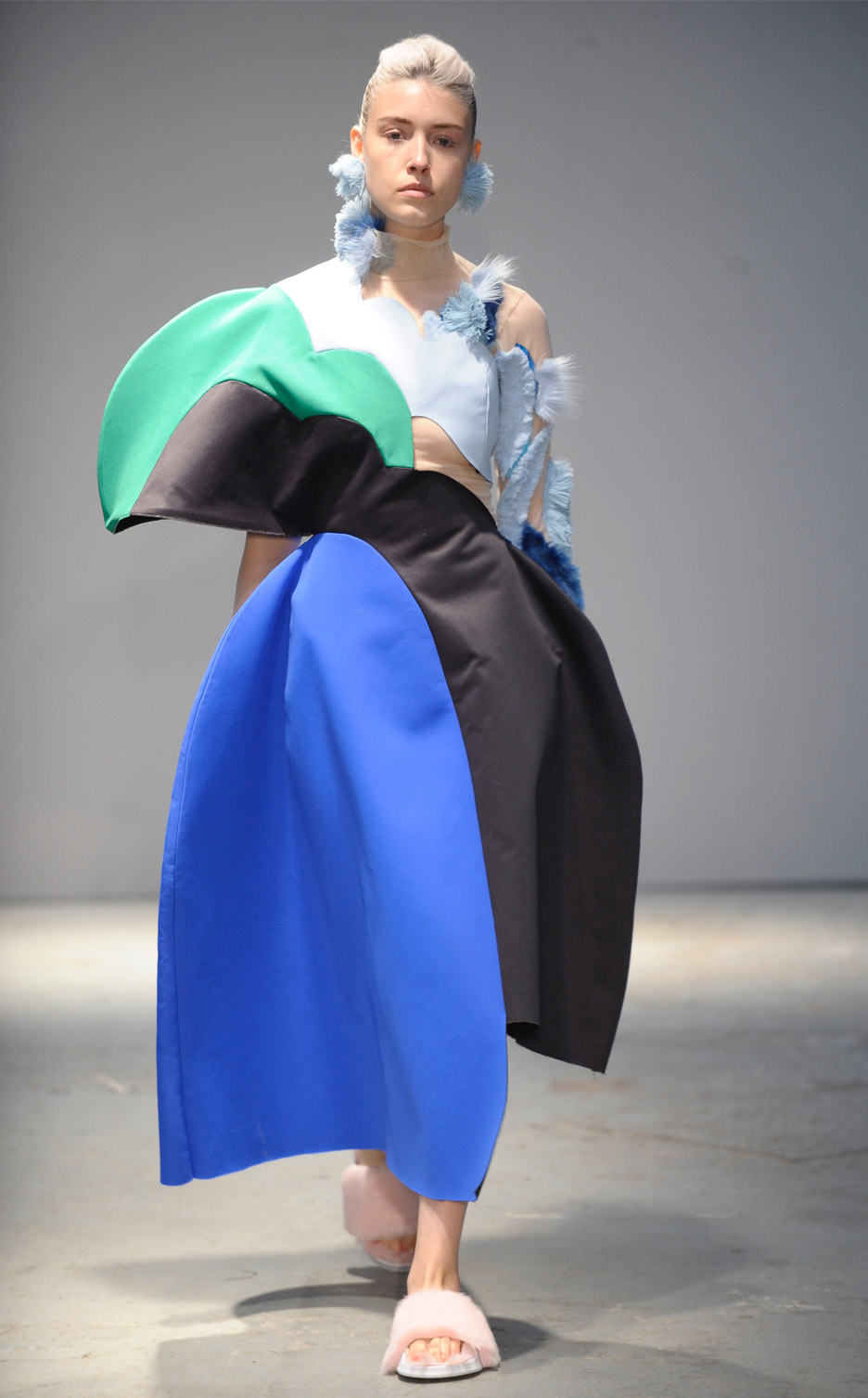 london-college-of-fashion-ba-graduate-show-london-college-of-fashion-ba-graduate-show-maria-ore_dezeen_936_4