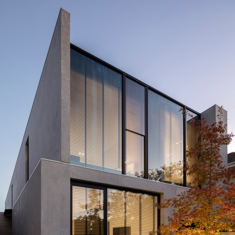 Davidov Partners completes concrete and glass house for empty nesters in Melbourne