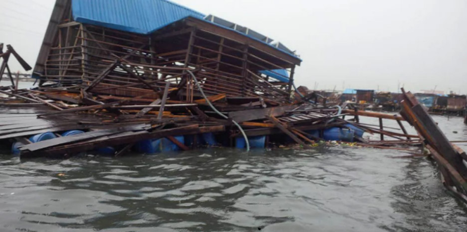 "Kunlé Adeyemi's Makoko floating school destroyed after ""abrupt collapse"""