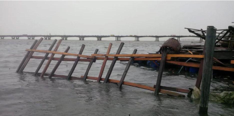 "Kunlé Adeyemi's Makoko floating school destroyed after ""abrupt collapse"""