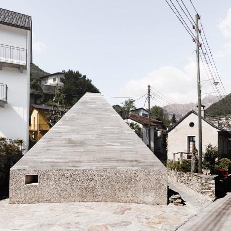 Studio Inches adds concrete and granite gallery to Alpine art museum