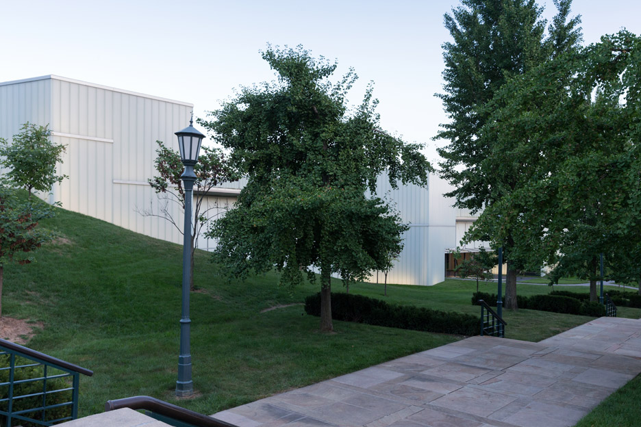 Iwan Baan photographs the Nelson Atkins Museum by Steven Holl to celebrate the new building's 10th anniversary