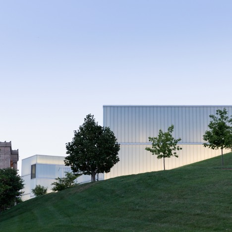 Steven Holl's Bloch Building in Missouri recaptured in photographs by Iwan Baan