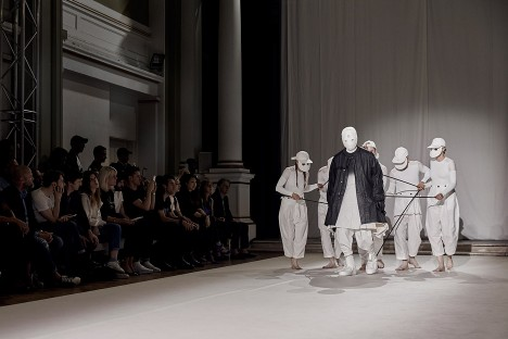 Aitor Throup shows New Object Research fashion collection on life-size puppets
