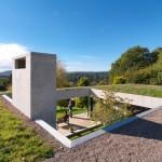 "Loyn & Co builds ""earth shelter"" that nestles against a Gloucestershire hillside"