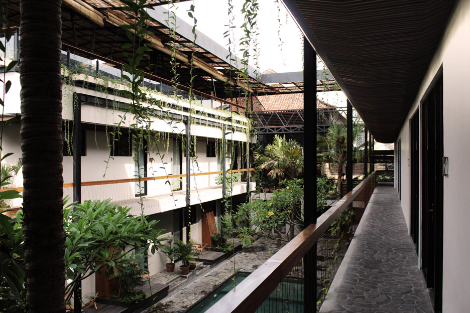roam-co-living-working-alexis-dornier-residential-architecture-bali-indonesia_dezeen_936_6