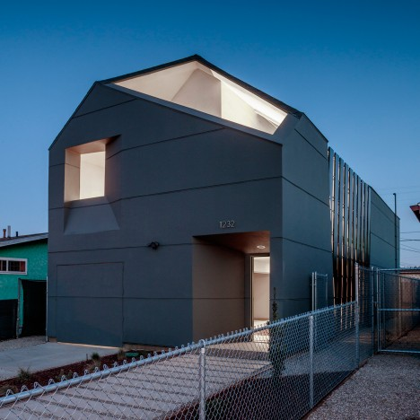 SCI-Arc students build affordable home in low-income Los Angeles neighbourhood