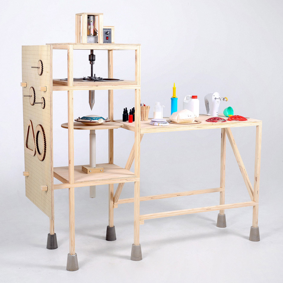 Spirograph Lab by Shawn Yang is a machine that allows the 2D spirograph pattern to become 3D