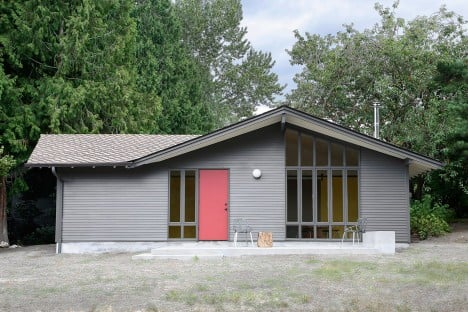 SHED transforms Washington horse stable into art studio and living quarters