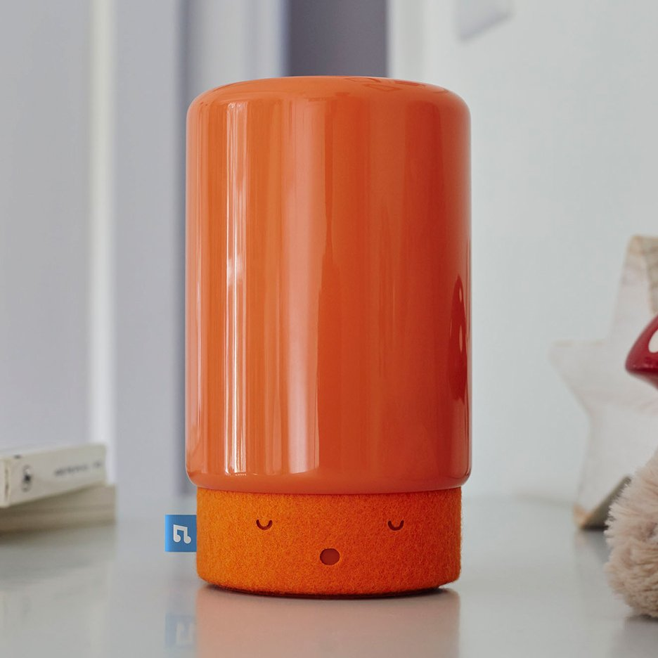 Suzy Snooze baby monitor uses light and sound to help children sleep