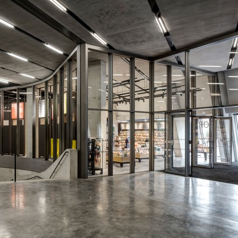 "Uxus designs ""permanently temporary"" gift shop for Herzog & de Meuron's extended Tate Modern"