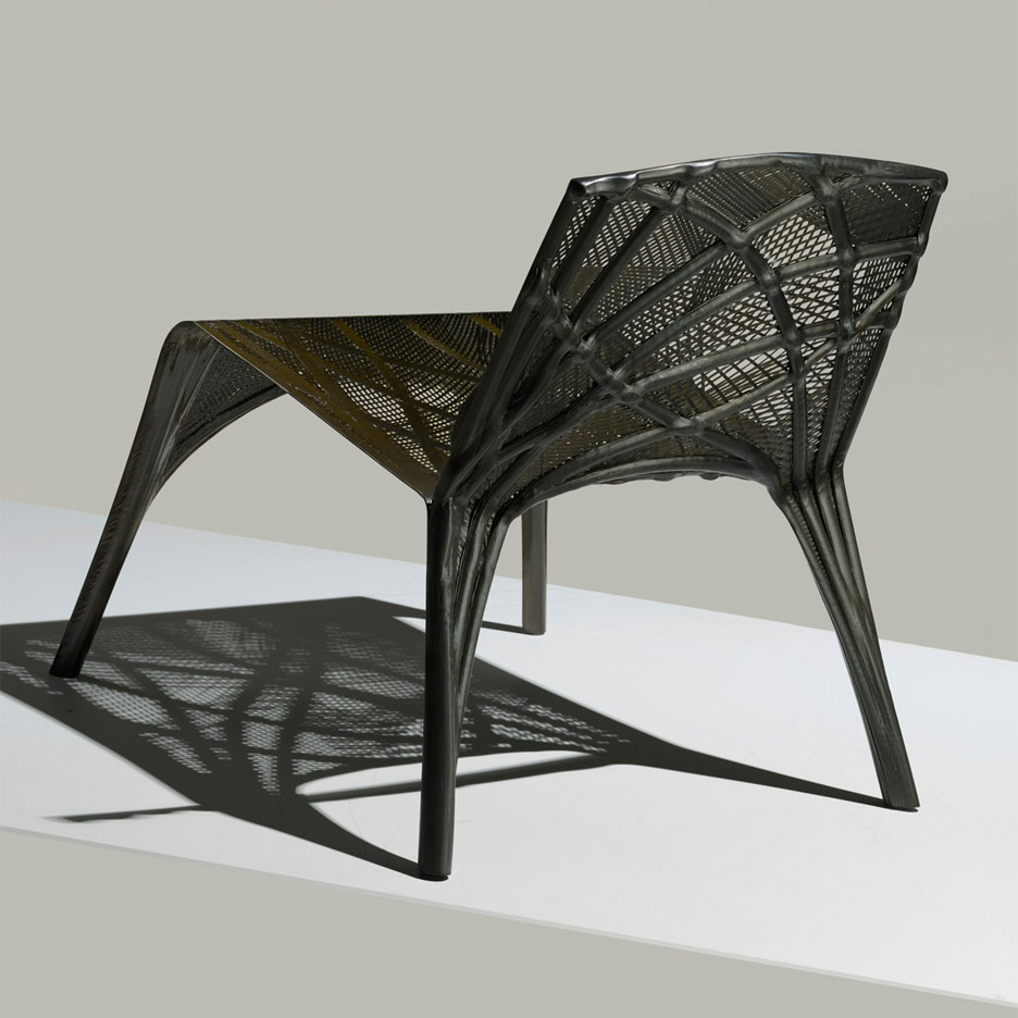 Marleen Kaptein uses aerospace robots to craft carbon-fibre chair