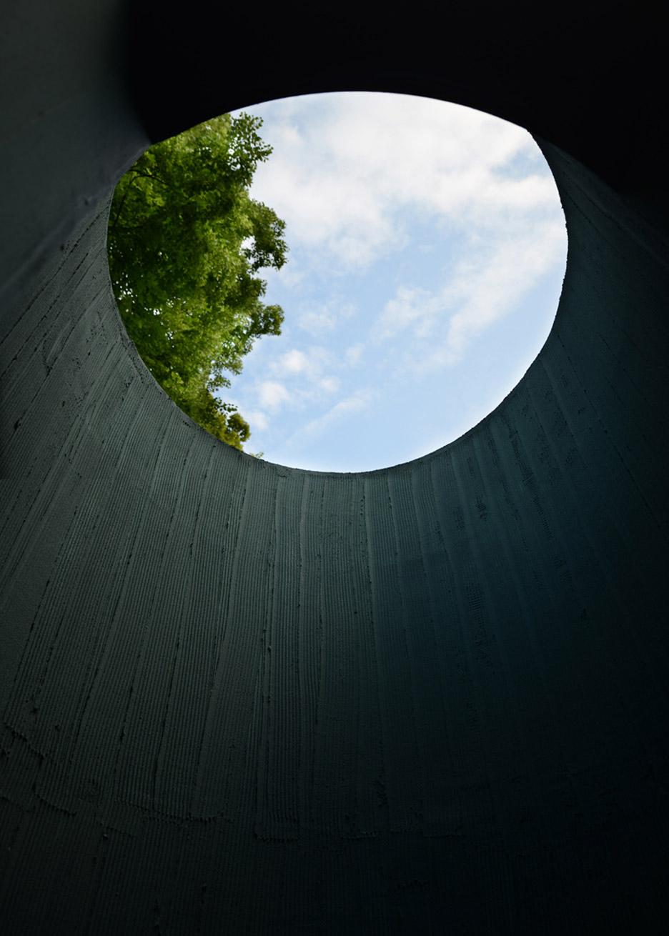 vara-pavilion-pezo-von-ellrichshausen-circles-venice-architecture-biennale-2016_dezeen_936_11