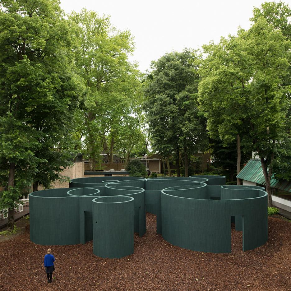 vara-pavilion-pezo-von-ellrichshausen-circles-venice-architecture-biennale-2016_dezeen_936_14