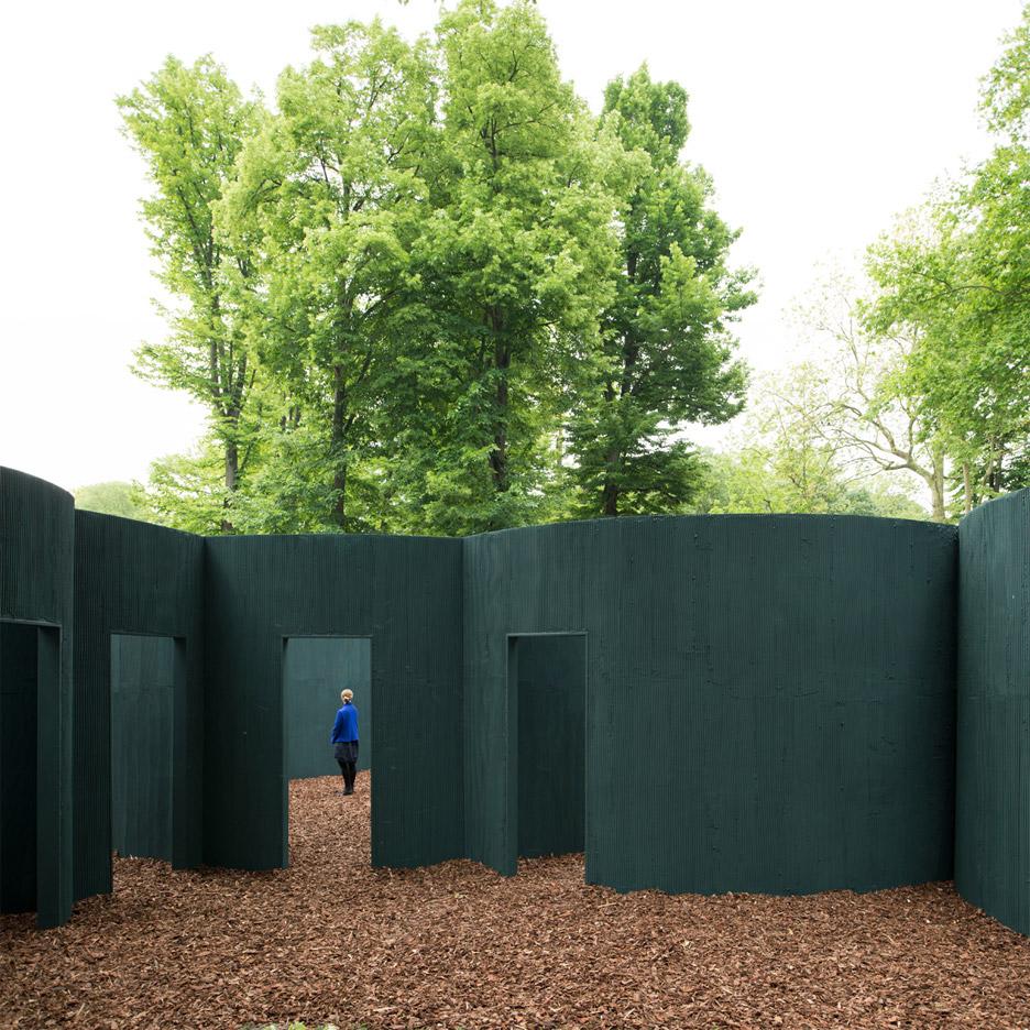 vara-pavilion-pezo-von-ellrichshausen-circles-venice-architecture-biennale-2016_dezeen_936_2