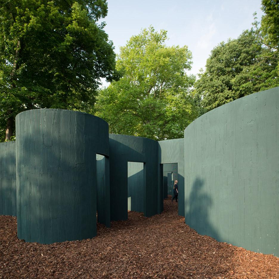 vara-pavilion-pezo-von-ellrichshausen-circles-venice-architecture-biennale-2016_dezeen_936_3