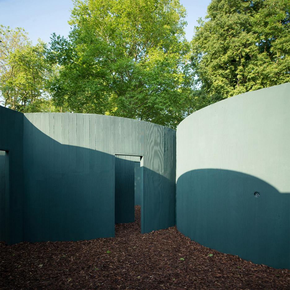vara-pavilion-pezo-von-ellrichshausen-circles-venice-architecture-biennale-2016_dezeen_936_5