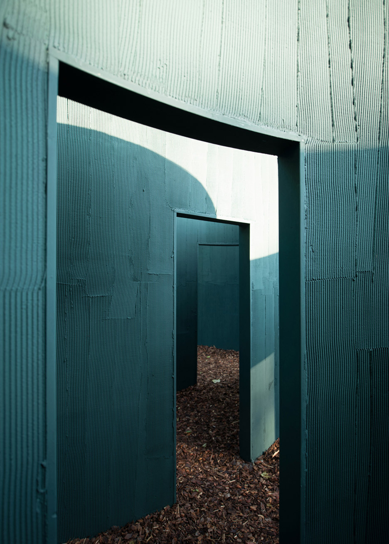 vara-pavilion-pezo-von-ellrichshausen-circles-venice-architecture-biennale-2016_dezeen_936_9